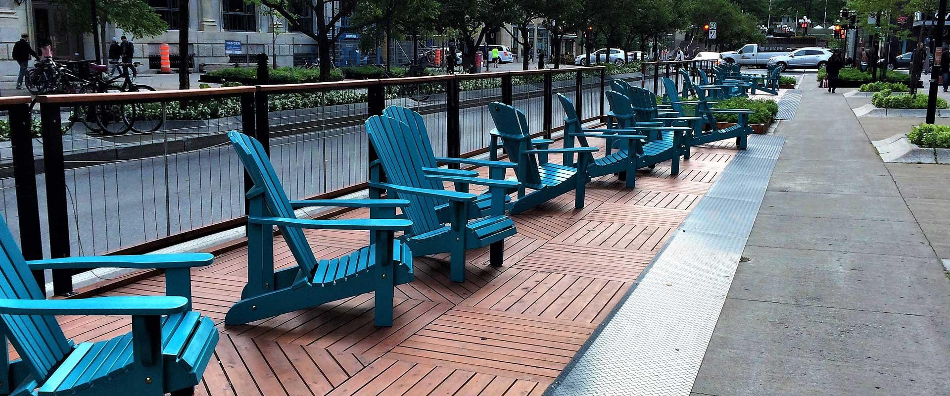 chaises adirondack et meubles d 39 ext rieur en bois de c dre. Black Bedroom Furniture Sets. Home Design Ideas